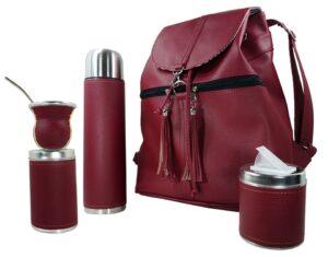 Set de mate con mochila color bordo estilo Aylen